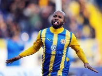 African players in Europe: Congolese Kumbela steals show with hat-trick