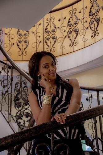 Lola in E-money's Mansion