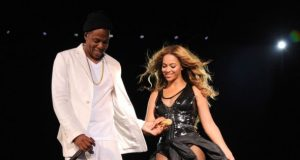Beyonce Jay Z On The Run in New Jersey July  LOGGTV