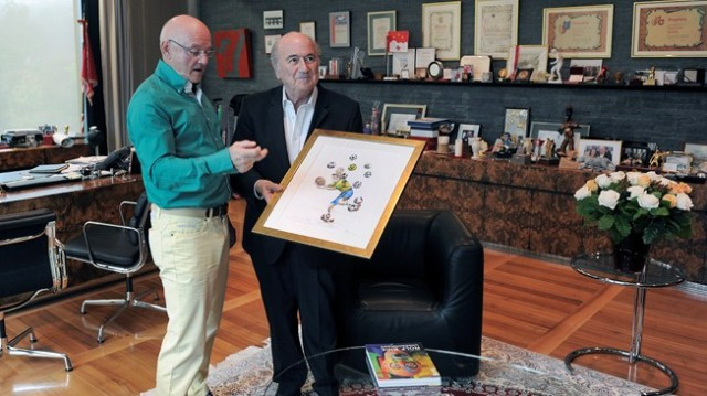 FIFA President given Knie painting