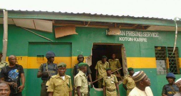koton-karfe-prisons1