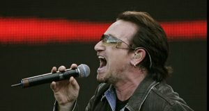 U singer Bono