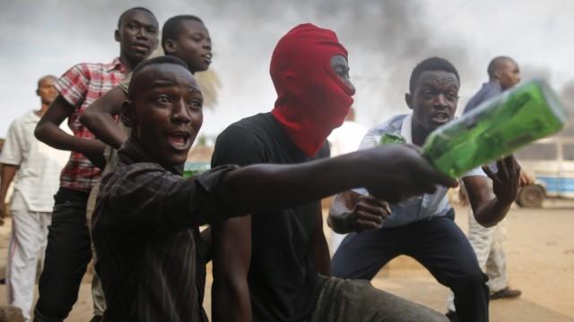 Violence rocks Burundi's capital