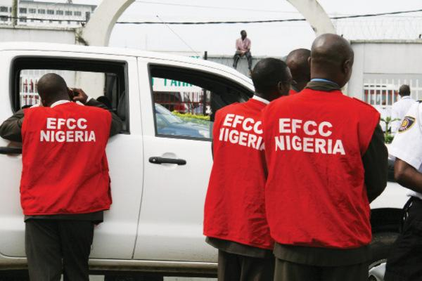 EFCC-operatives-at-work