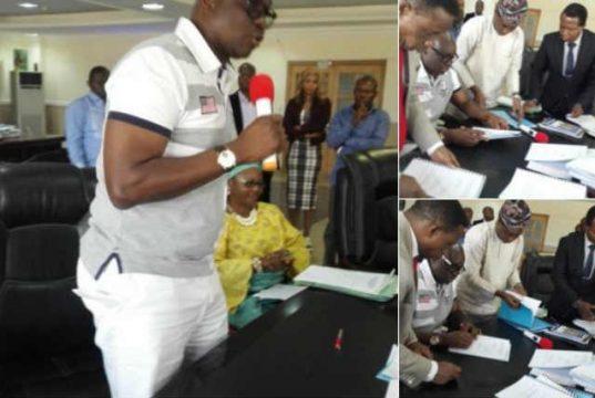 Ekiti State Governor Ayodele Fayose wore shorts to  budget signing