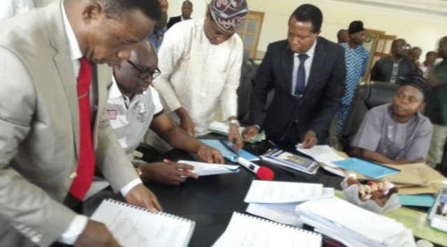 Ekiti-State-Governor-Ayodele-Fayose-wore-shorts-to-2016-budget-signing-4