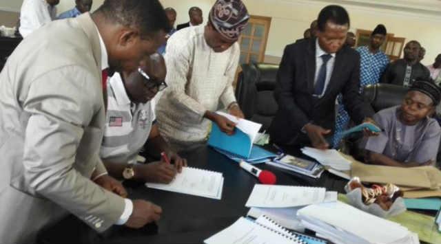 Ekiti-State-Governor-Ayodele-Fayose-wore-shorts-to-2016-budget-signing-5