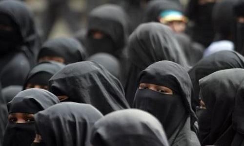 Women-In-Full-Face Veil