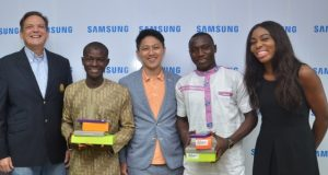 Presentation of Samsung devices to J series winners