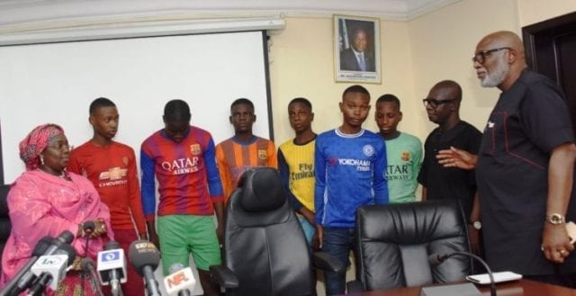 Rescued Students of Igbonla Model College, Epe with Ondo State Governor Rotimi Akeredolu, right and Lagos State Deputy Governor Oluranti Adebule