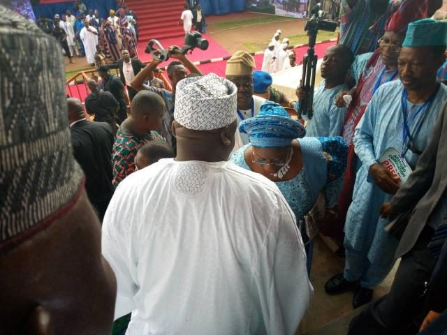 The Deputy Governor of Ogun State, Chief (Mrs) Yetunde Onanuga pays homage to Hon Ladi Adebutu