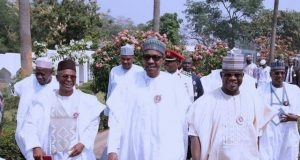 President Muhamaddu Buhari flanked by Gov. Yahaya Bello on (left), Gov. Nasir El Rufai (right)