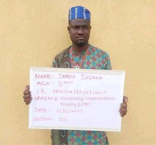 A 31-year-old herbalist, Jamiu Isiaka