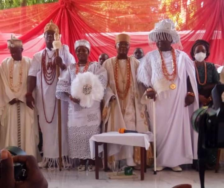 From left - Agura of Gbagura, Ooni of Ife and Arole Odua, newly installed Erelu Lisa Aje of Egbaland, Alake and Paramount Ruler of Egbaland, and Lisa Aje of Egbaland