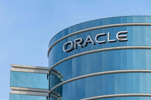 Twitter suspends Oracle executives account for doxxing reporter